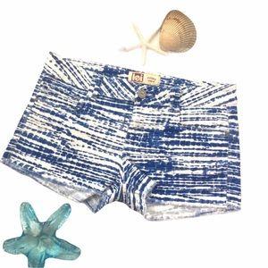 L.E.I. Shorts Cutoff Lowrise Cheeky Blue White